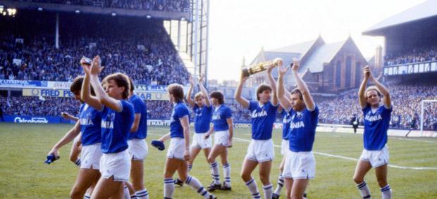 Everton-celebrate-winning-the-1985-league-championship-147491722