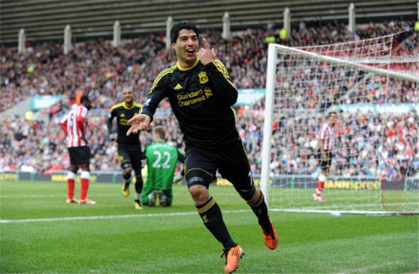 Dirk-Kuyt-and-Luis-Suarez-help-Liverpool-beat-Sunderland-2-0-Barclays-Premier-League-59743